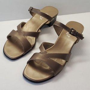 Munro American gold - bronze block heel sandals